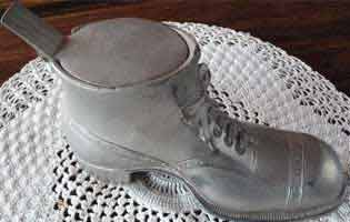 American vintage novelty Ashtray in the form of a man's shoe